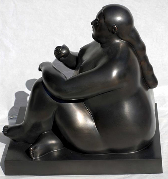 Donna Seduta con Mela (Woman Sitting with Apple) bronze sculpture by artist Fernando Botero