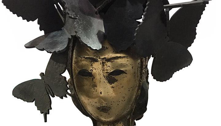 Detail of Manolo Valdes' Mariposas bronze sculpture, 24 x 12 1/2 x 6 inches (61 x 31.8 x 15.2 cm)